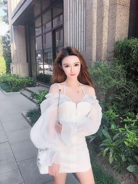 91轻吻也飘然商务模特全集吕红恋